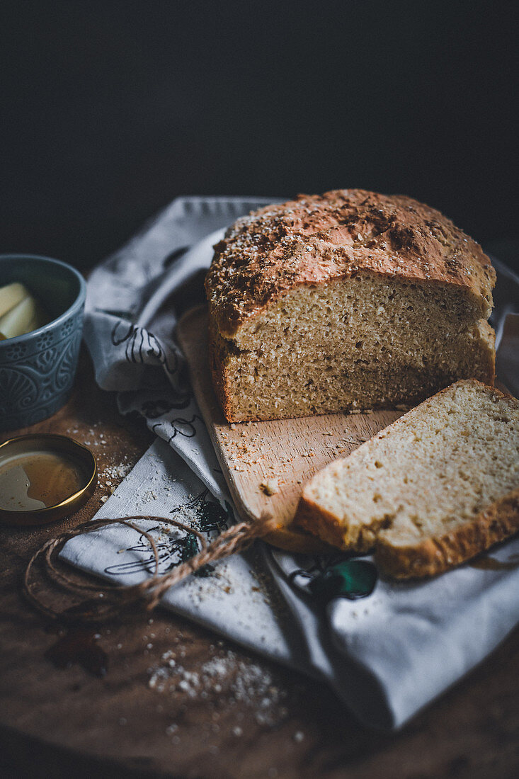 Gluten-free spelt and oat bread