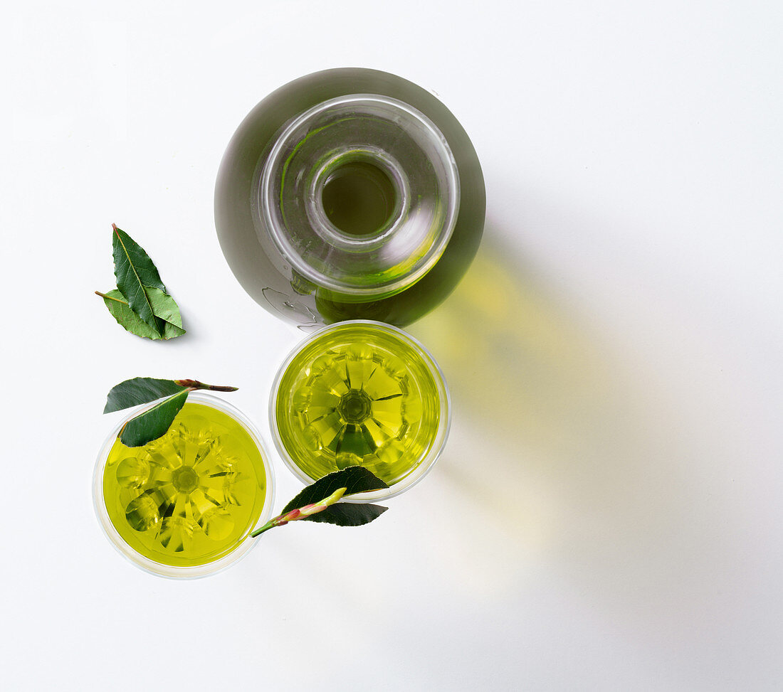 Laurino (bay leaf liqueur, Italy)