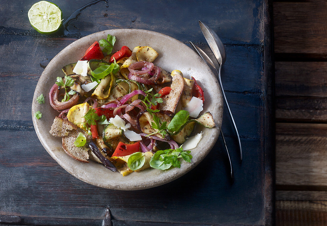 Grilled vegetable salad with a lime dressing