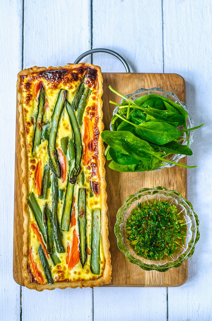 Spring quiche with vegetables