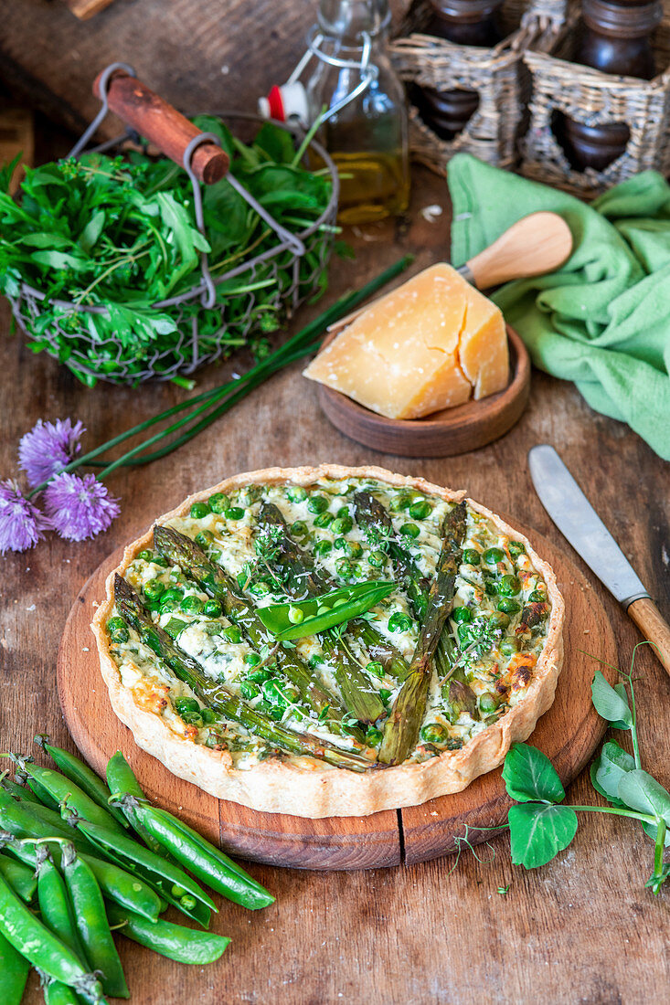 Asparagus and peas tart