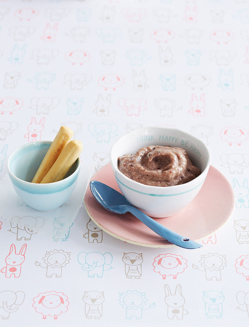 Blueberry, Banana and Quinoa Puree for babies (6-9 Months)
