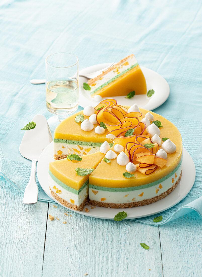 Peach cheesecake with peppermint and Greek yoghurt