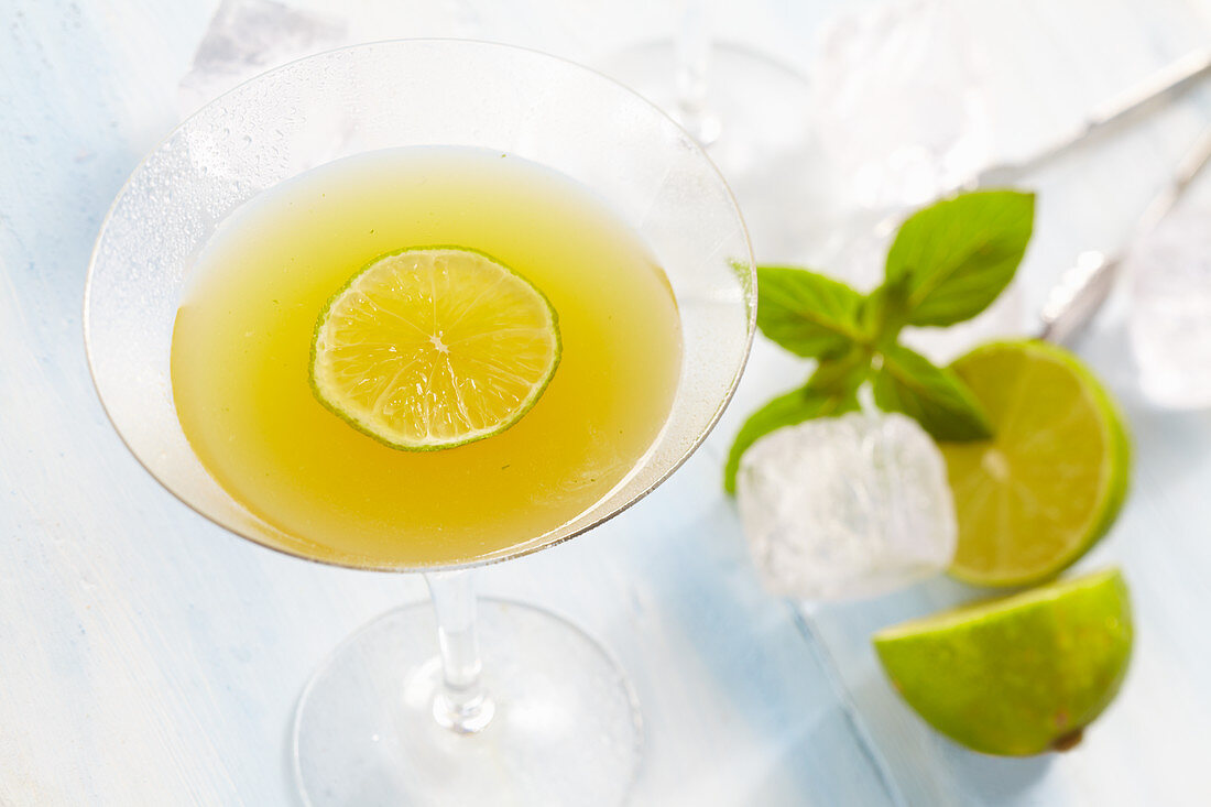 Cocktail with white rum and lime