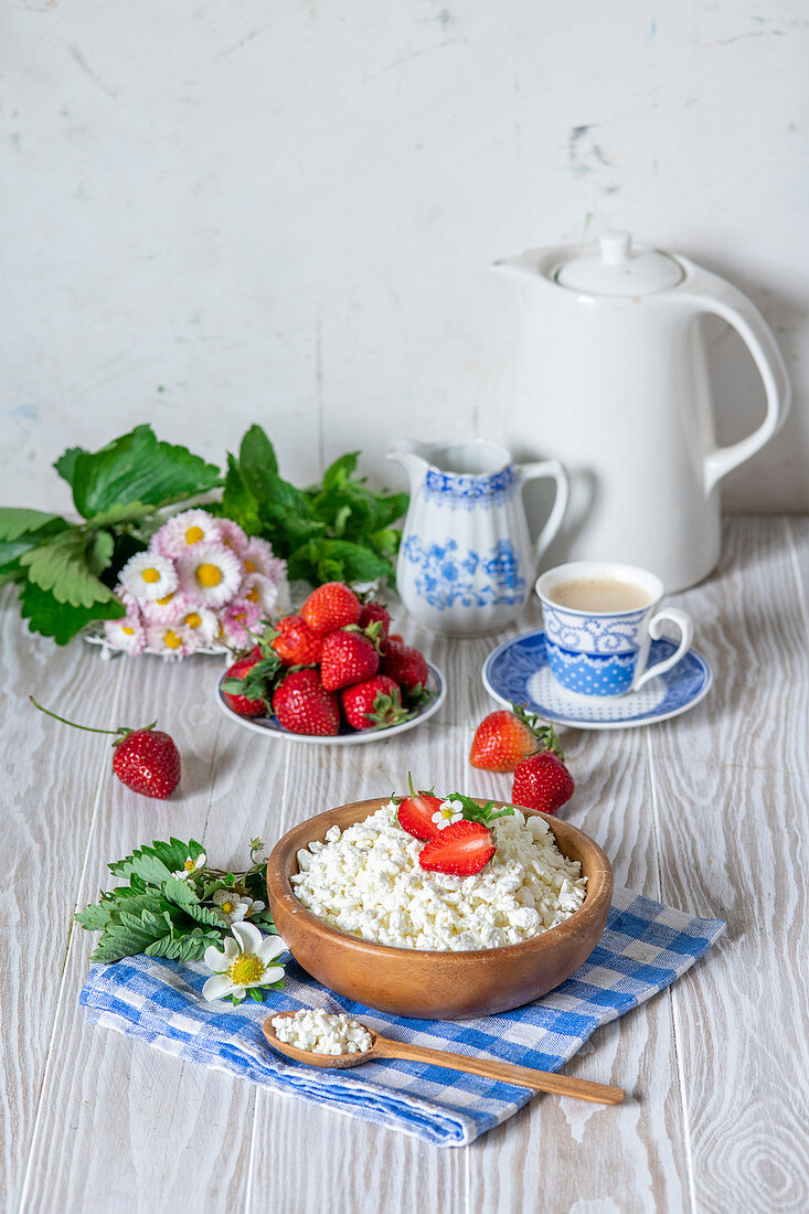 Tvorog with strawberries (Russia)