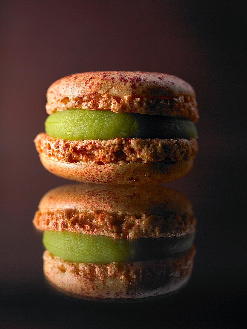 Macaron with pistachio cream