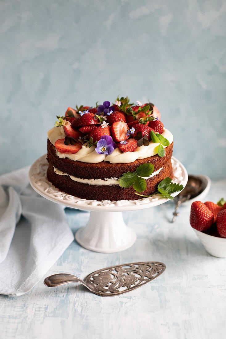 Blondie cake with strawberries