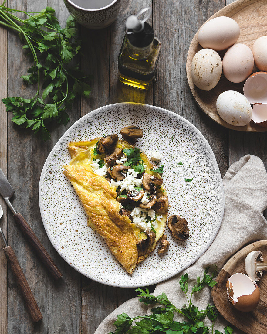 Keto lunch - omlette with mushrooms and some feta cheese