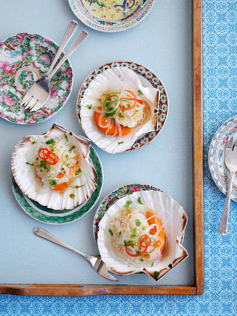 Steamed scallops with soy sauce (China)