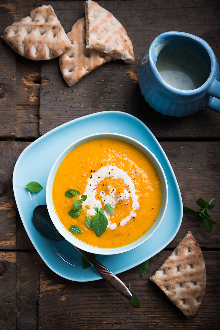Vegan carrot soup with unleavened bread
