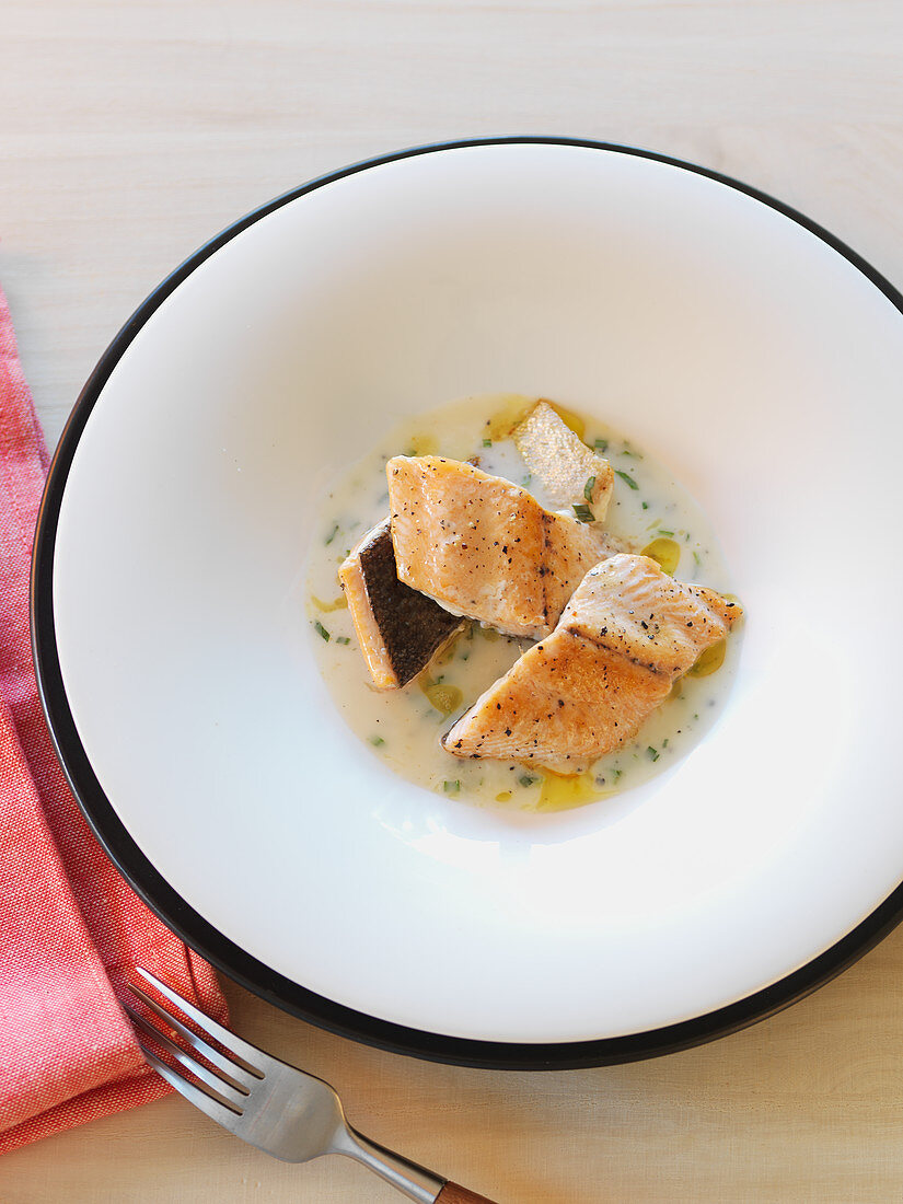 Trout fillet in tarragon sauce
