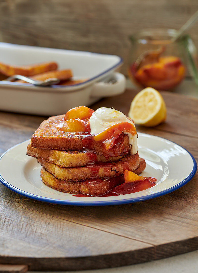 Poor knight with nectarine compote