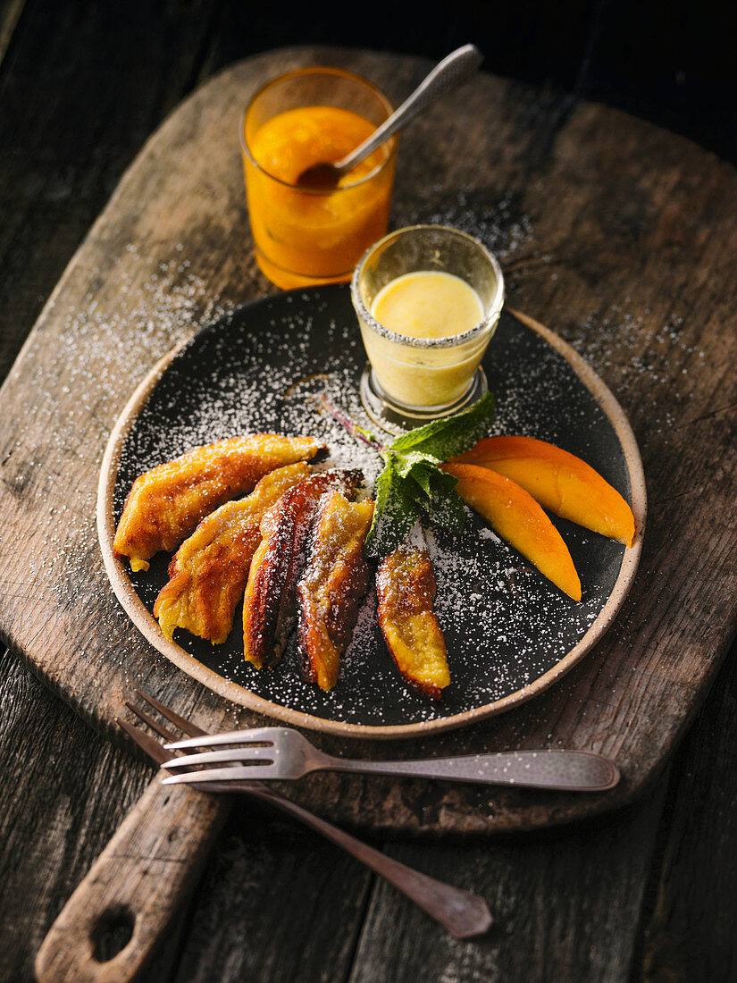 Shredded pancakes with apple and mango mousse