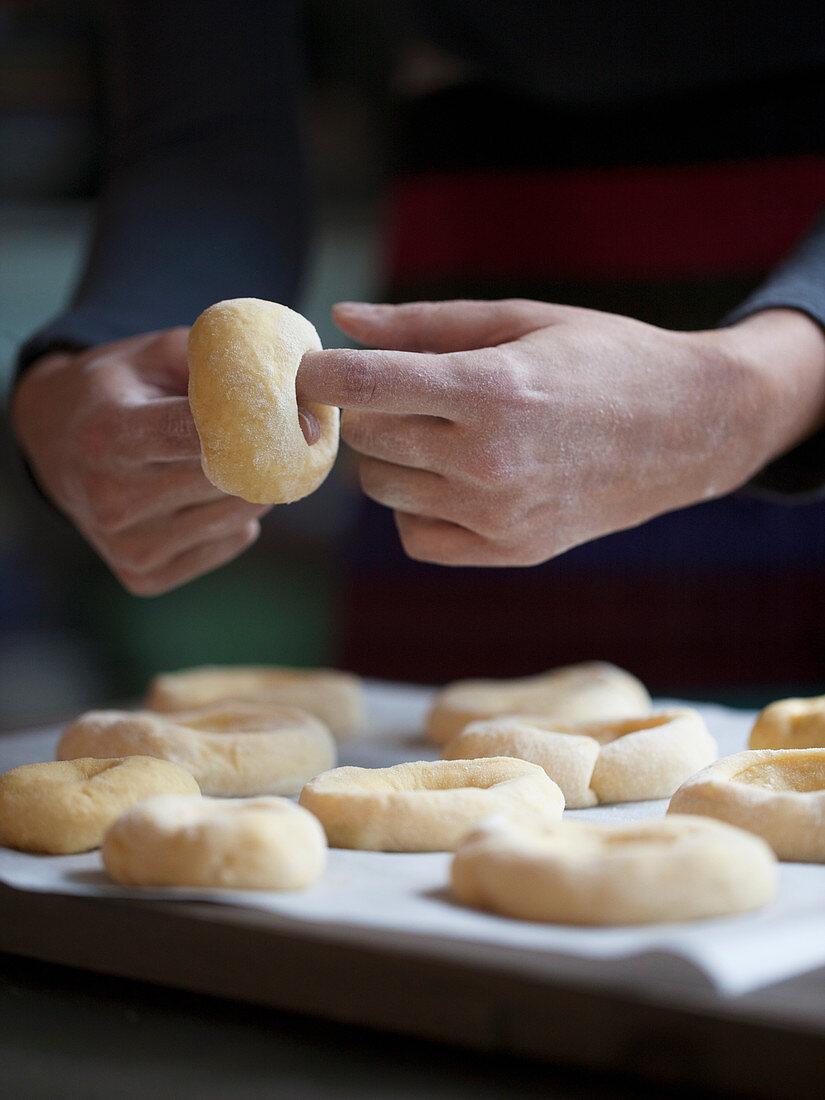 Graffe Napoletane - Neapolitan Potato Donuts for Carnival (Italy)