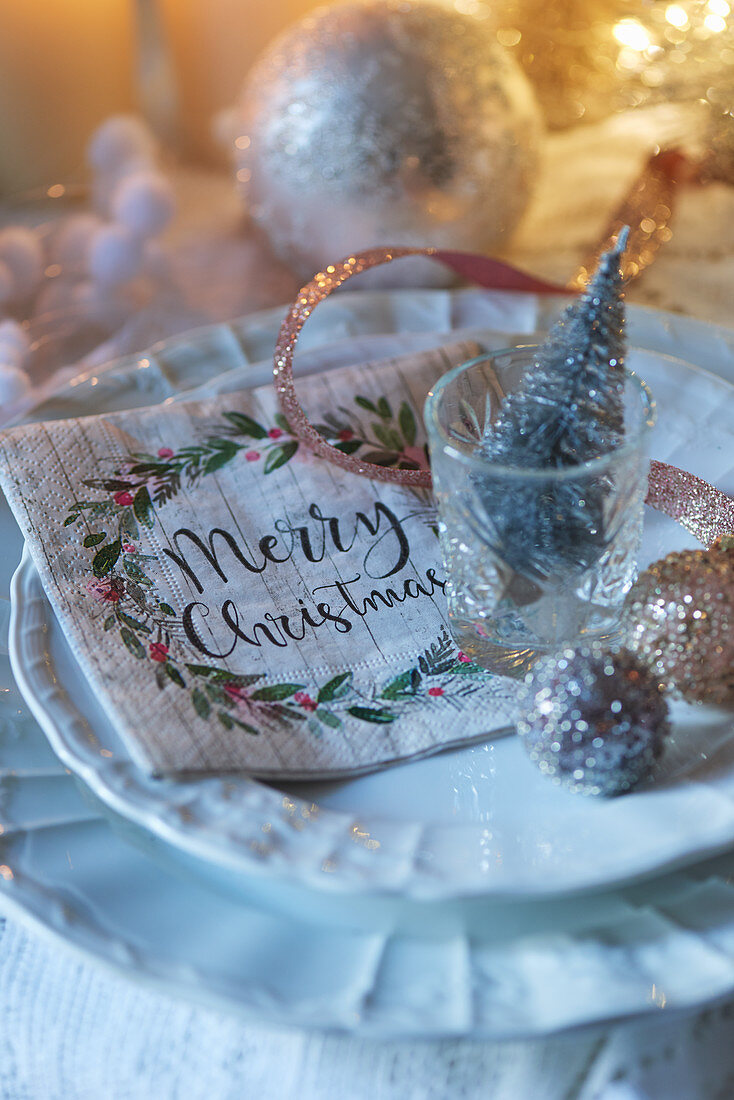 Festively decorated place setting
