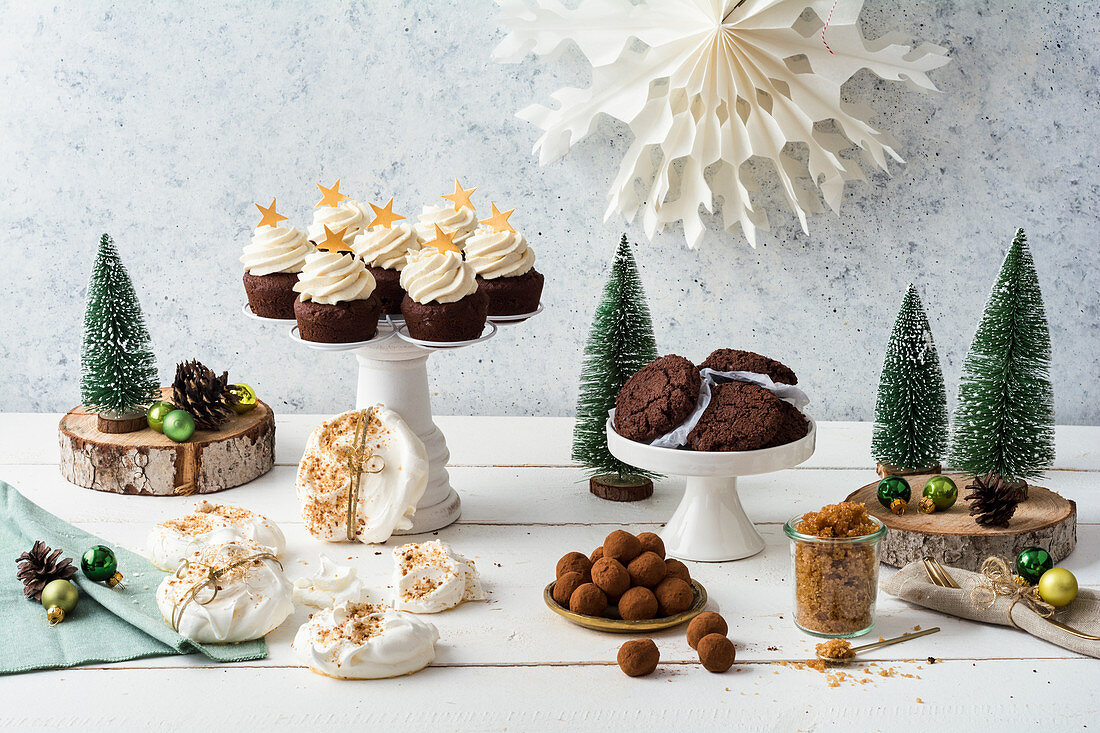 Cakes and confectionery for Christmas (low carb)