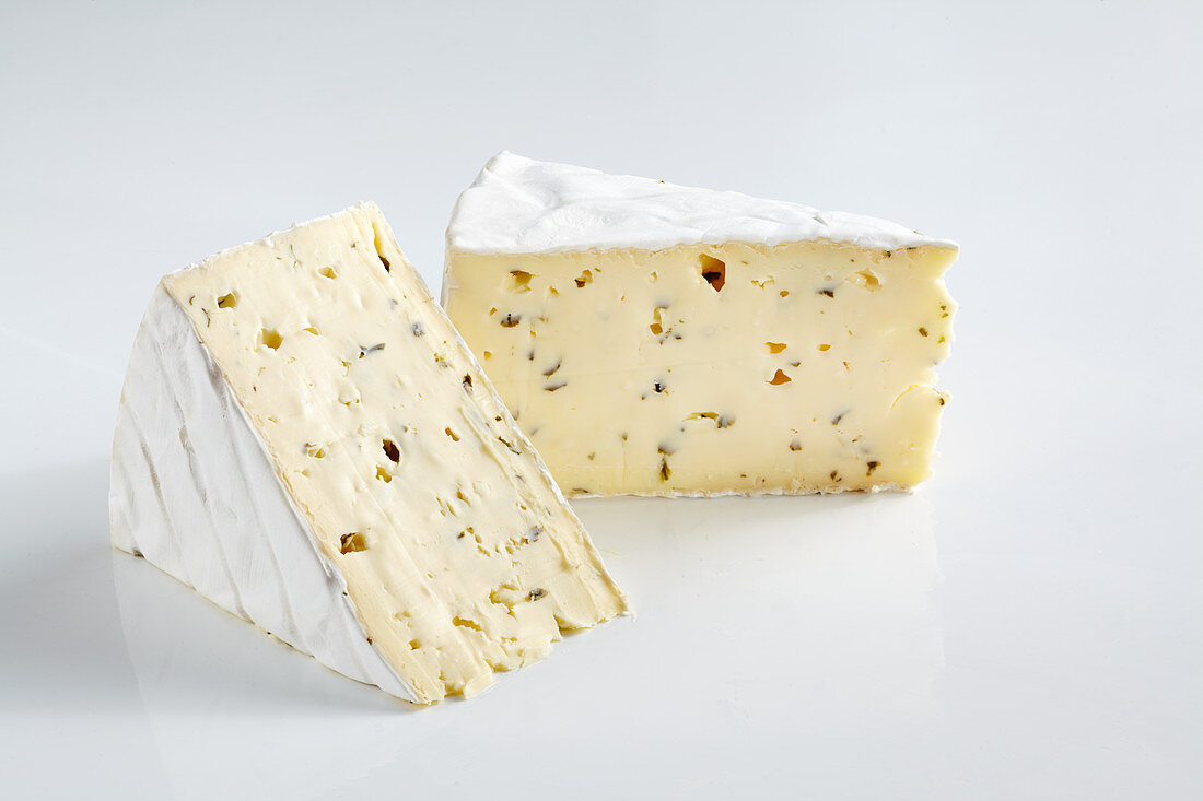 Soft cheese with white mold and garlic flavouring