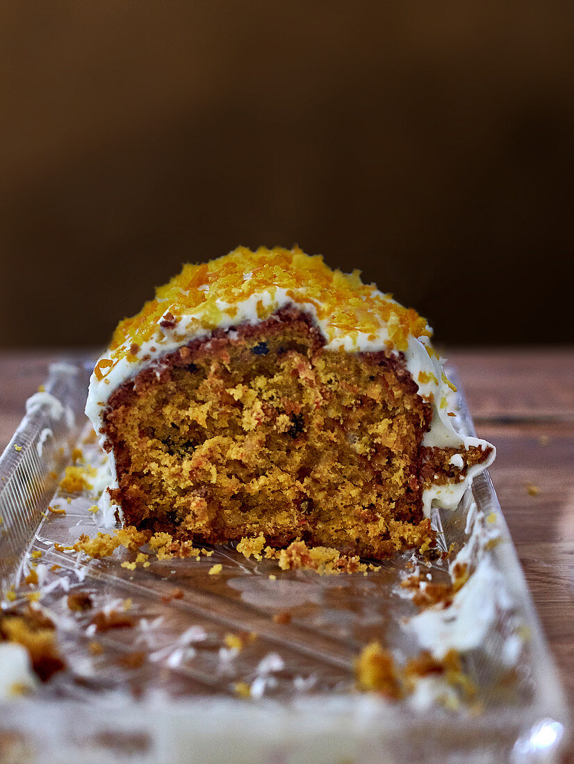 Carrot cake with oranges