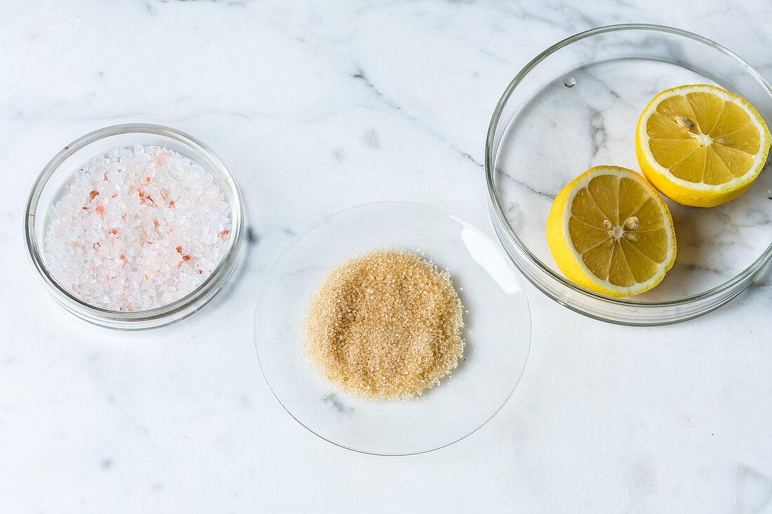 Sauce retten - zu fade Sauce mit Zucker, Säure und Salz aufpeppen