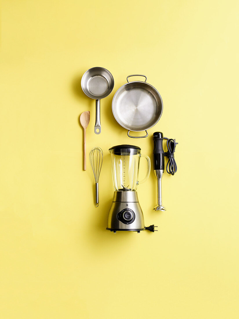 Küchenutensilien für die Zubereitung von Saucen
