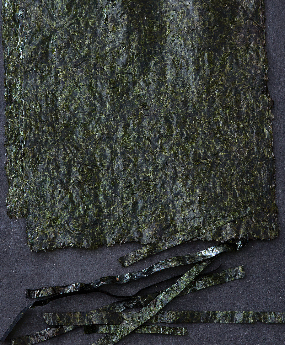 Algae sheets for sushi
