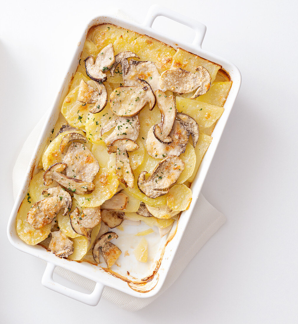 Potato and mushroom casserole