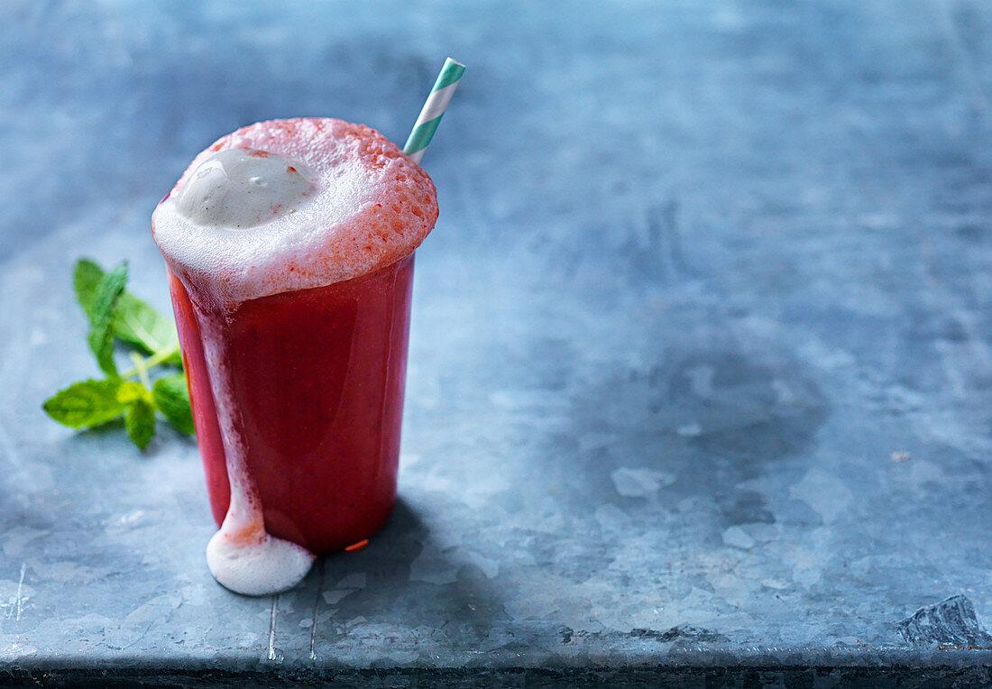 Strawberrie float, drink, strawberry lemonade, ice cream