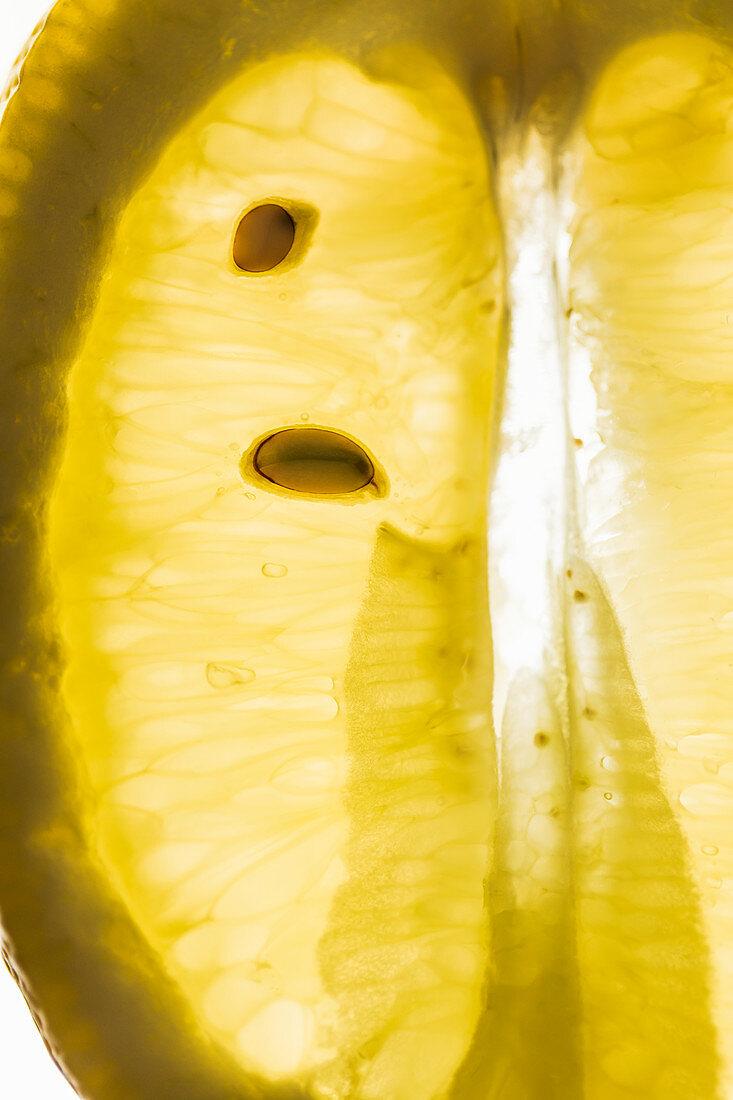 A sliced lemon (close-up)