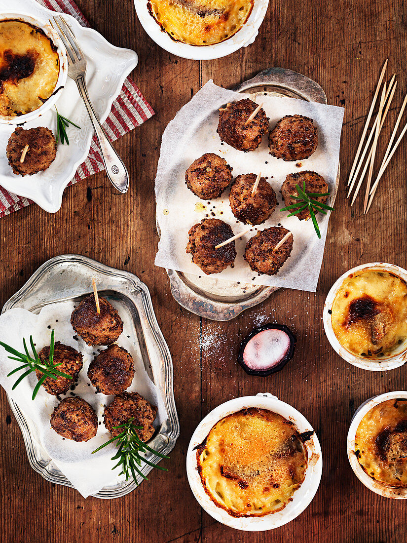 Meatballs with mustard and small gratins