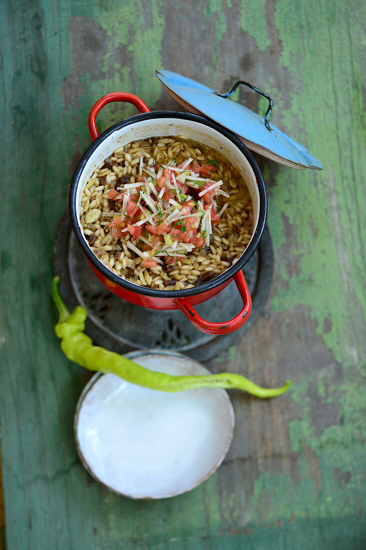 Spicy Turkish rice with figs, ginger and chilli