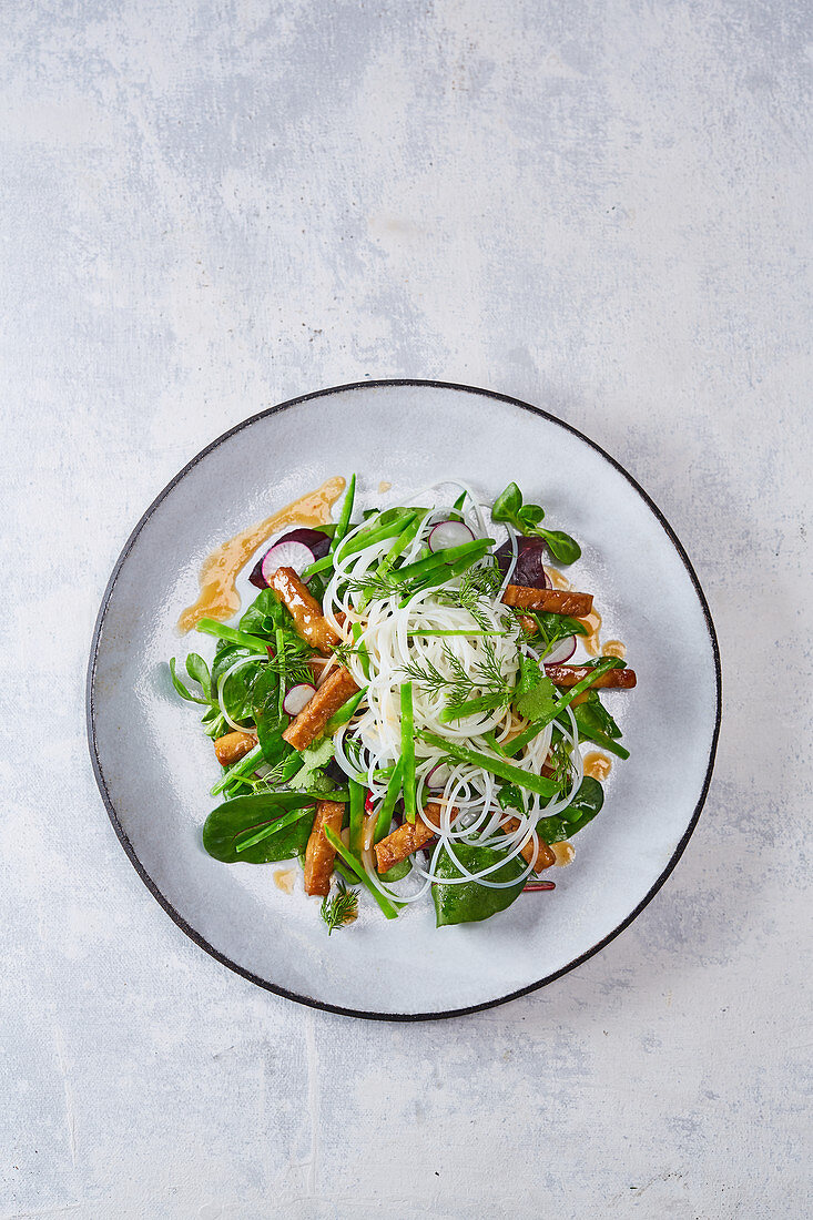Marinated Tempeh with Noodles and Tahini Dressing