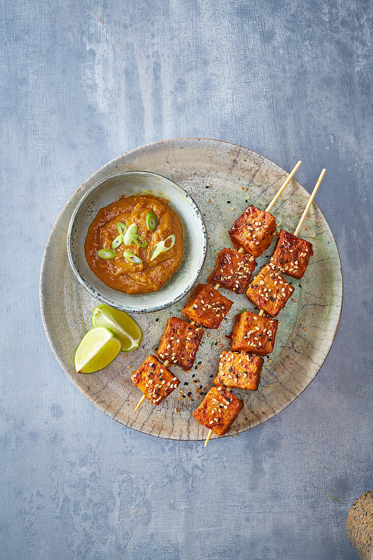 Tempeh Skewers Satay dip with Sesame and onion seeds
