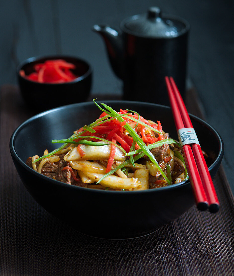 Yakisoba with beef and vegetables (Japan)