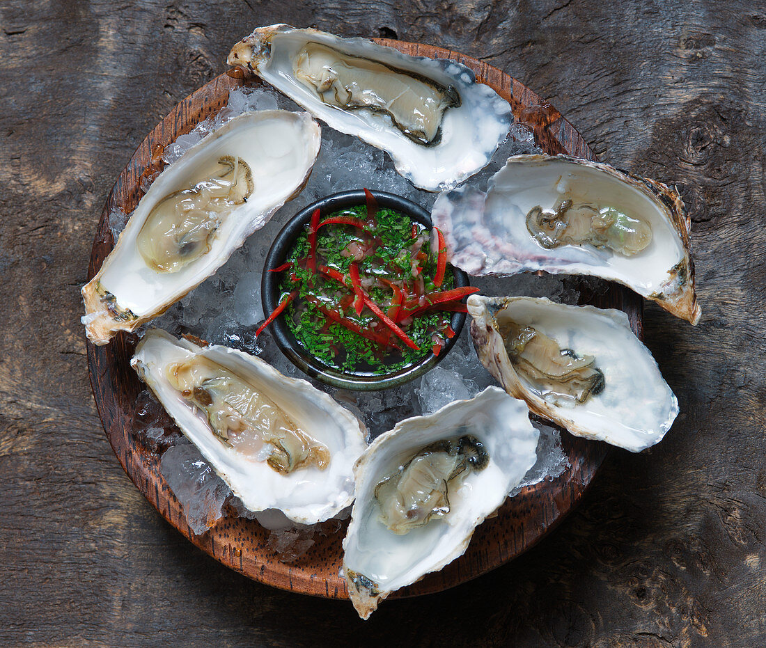 Oysters with chilli, ginger and coriander (Asia)