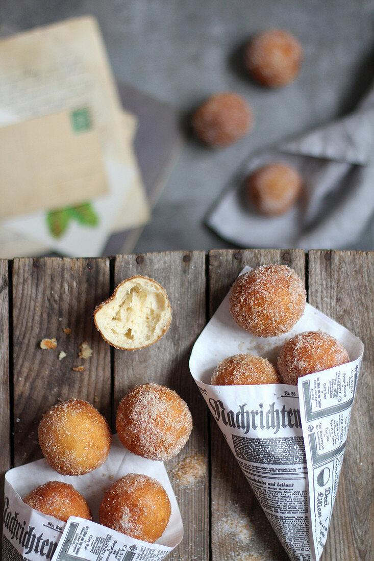 Quark balls with cinnamon sugar to take away