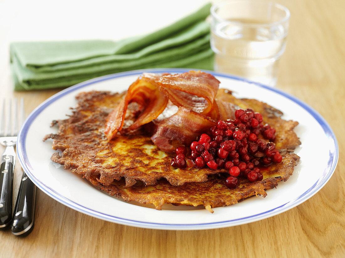 Raggmunk - Swedish potato pancakes with bacon