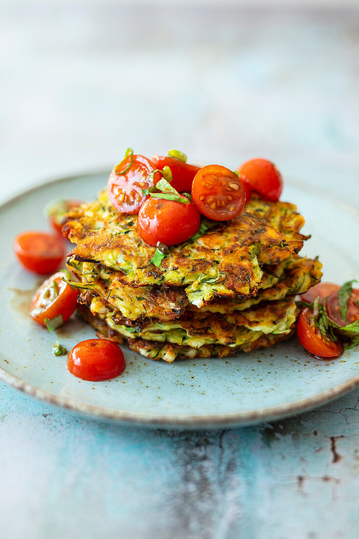 Zucchini feta fritters with tomato salad (low carb)