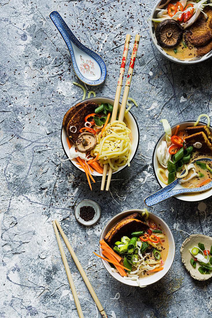 Vegan ramen soup with mushrooms (Asia)