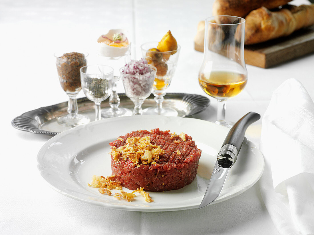 Beef tartare with fried onions