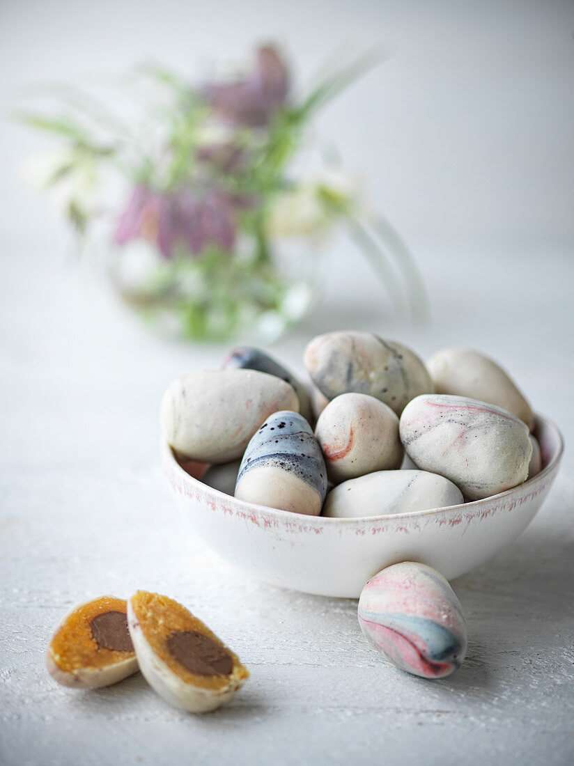 Paeskeaeg (homemade marzipan nougat eggs, Denmark)