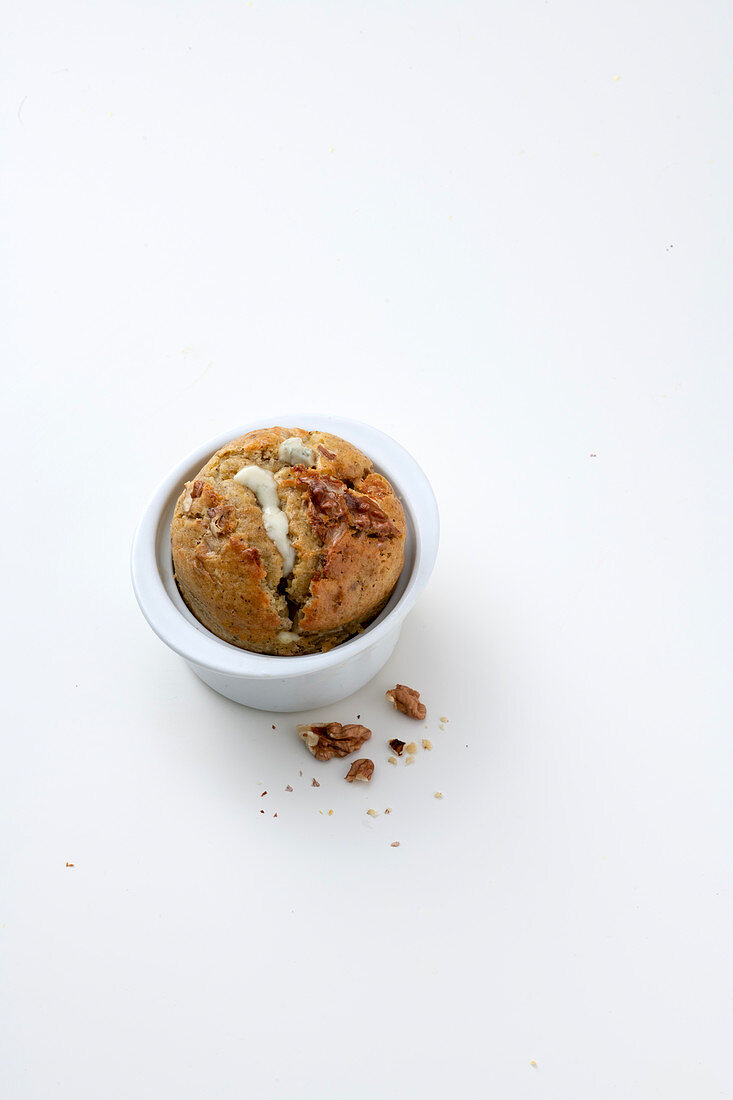 Spicy buckwheat souffle with gorgonzola and walnuts