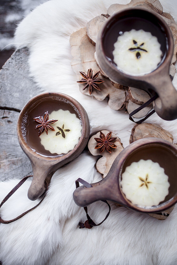 Apple and ginger mulled wine