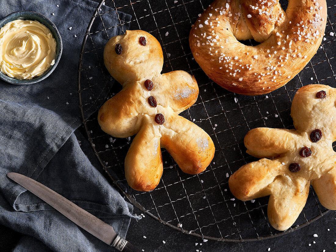 Bread men and St. Martin's pretzels
