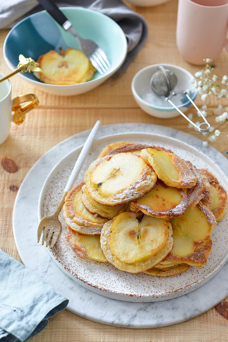 Pancakes with apple slices