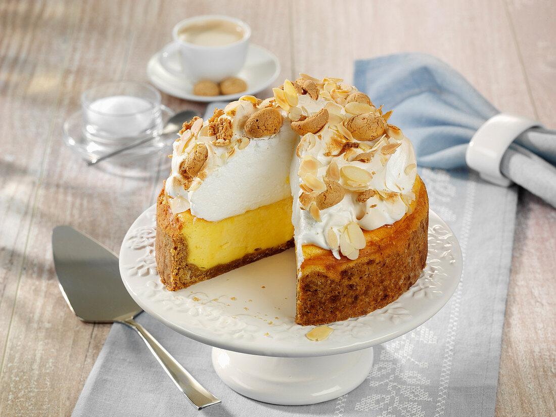 Amarettini-Cheesecake mit Baiserhaube