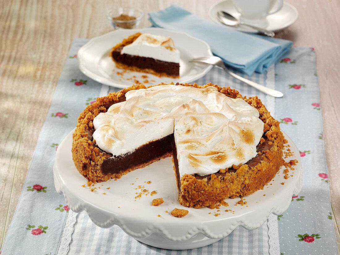 Chocolate-Cheesecake mit Marshmallow-Haube