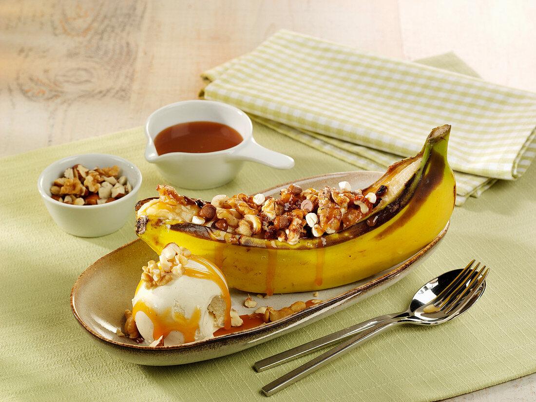 Gegrillte Banane mit Marshmallows und Schokodrops