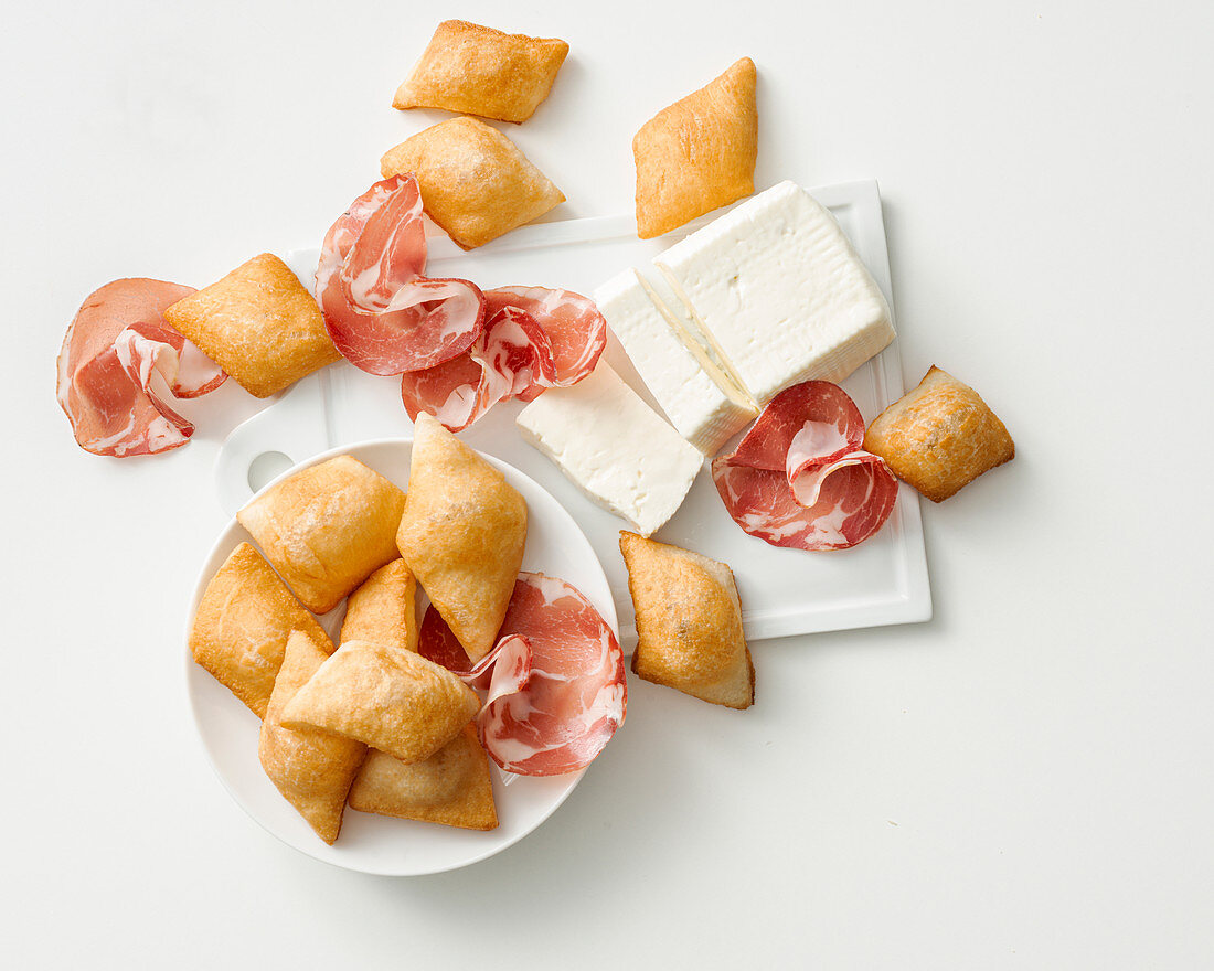 Gnocco fritto (deep-fried yeast pastries, Italy)