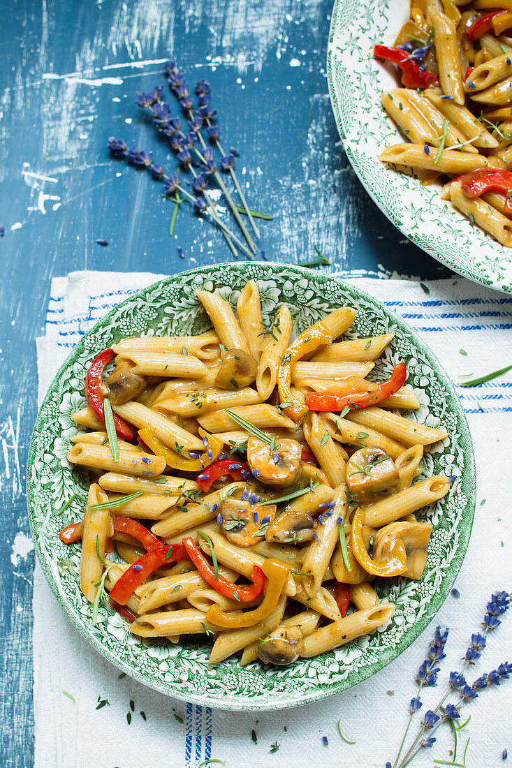 Penne with mushrooms and peppers