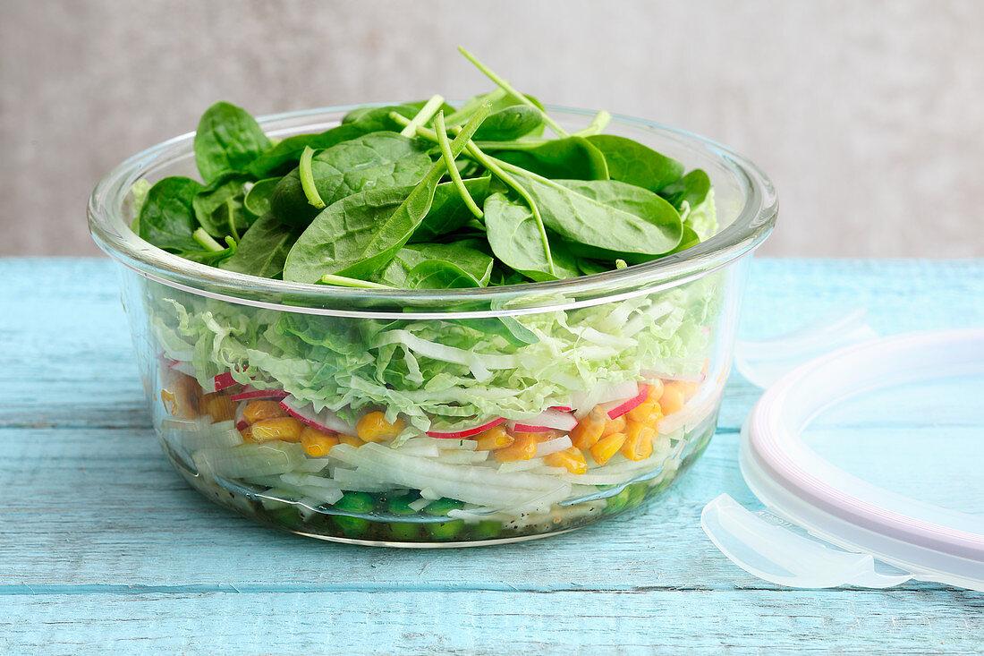 Summer vegetable salad to take away